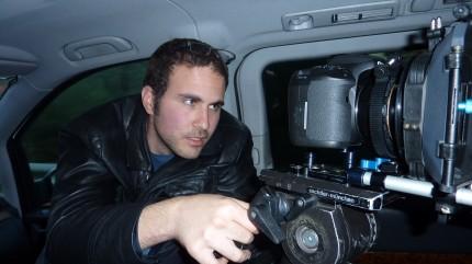 נדב הקסלמן ומצלמת הקנון בצילומי מעשיה אורבנית של אליאב לילטי