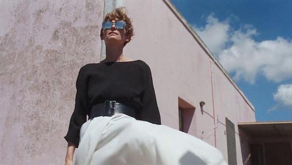 ״גלים גבוהים״ (״A Bigger Splash״). טילדה סווינטון בסרטו של לוקה גואדאניניו