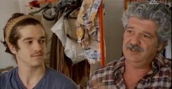 אבי ויותם קושניר בצילומי הגרסה הראשונה והגנוזה של ״צירלסון יוצא לפנסיה״/״אשתו״ ב-2011 (צילום: חדשות ערוץ 2)