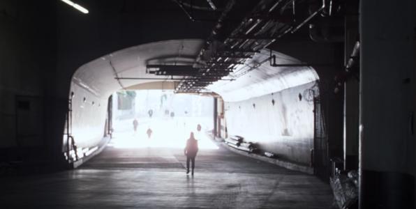 מתוך ״Daydreaming״, קליפ/סרט של פול תומס אנדרסון ורדיוהד