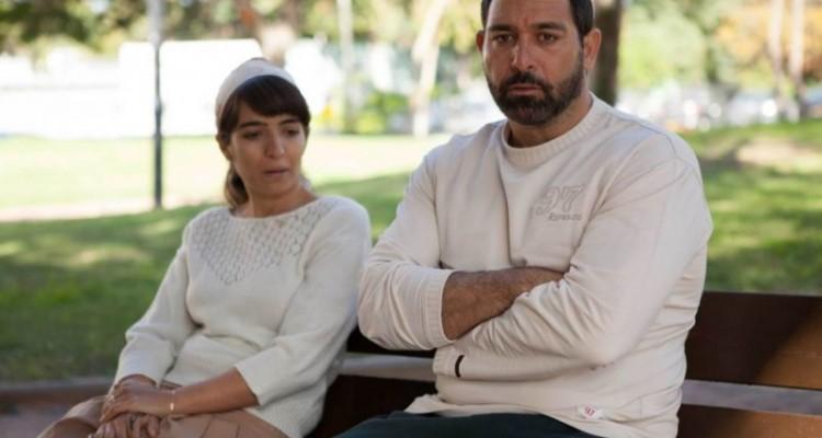 שניים מתוך 100,000 הצופים של ״אבינו״. מימין, מוריס כהן. משמאל, רותם זיסמן כהן, שתציג שני סרטים שביימה במסגרת שבוע הבמאיות