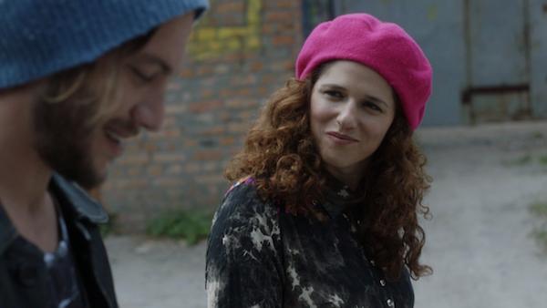 נועה קולר ועוז זהבי ב״לעבור את הקיר״ של רמה בורשטיין