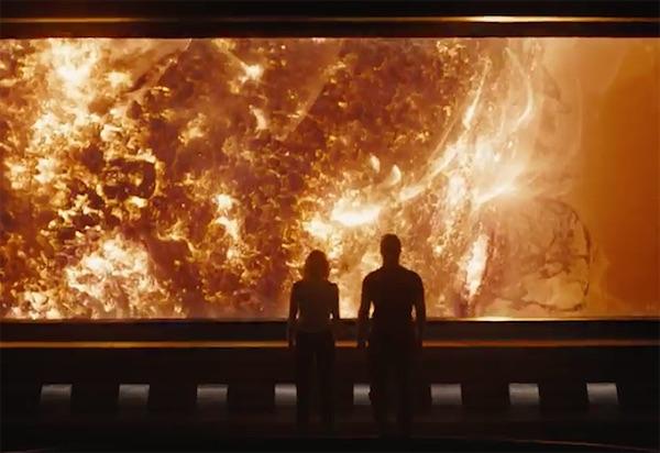 ״נוסעים״. ג׳ניפר לורנס וכריס פראט לבד בחלל