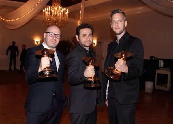 פפשודו, קשלס ואילפמן עם כוכב הלכת שבתאי. זוכי פרס סאטורן